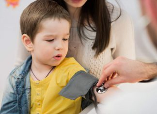 علائم بیماریهای قلبی کودکان و نوزادان   نکات معاینه قلب کودکان   پایگاه اطلاعات پزشکی طب لاین