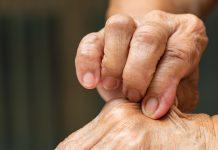عوارض کم آبی در سالمندان