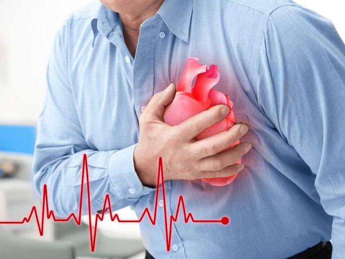 علائم حمله قلبی - قفسه سینه - قلب - پزشکی - بیماری - علائم حمله قلبی